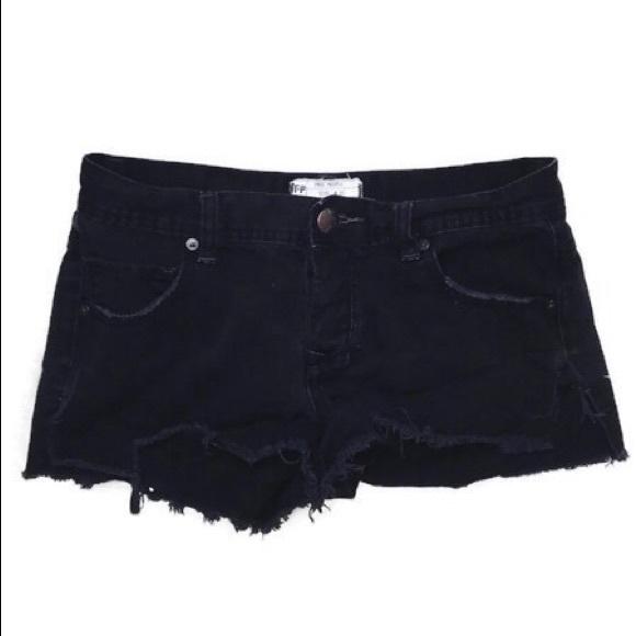 Free People Pants - ♡ FREE PEOPLE BLACK JEAN SHORTS ♡